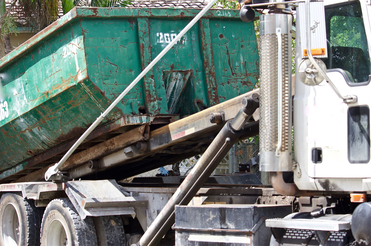 5 Ways Dumpster Delivery Makes for an Easy Spring Clean Up